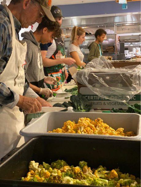 Sonoma Family Meal feeds Kincade fire evacuees from Petaluma kitchen